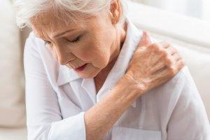 znaki revmatoidnega artritisa